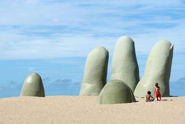 La Mano, Punta del Este - Paseos Uruguay